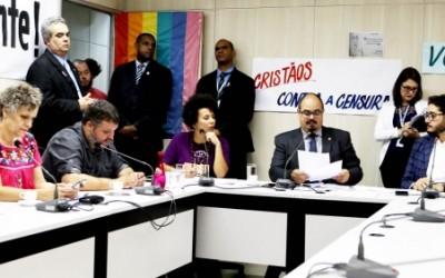 """Parecer favorável ao """"Programa Escola Sem Partido"""" é rejeitado por comissão"""
